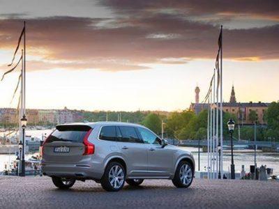 スウェーデン王室の婚礼のオフィシャルカーにボルボが選ばれました