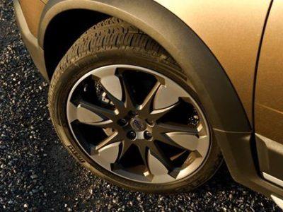 タイヤの点検をおすすめ致します♪