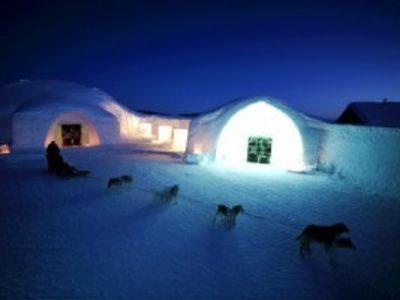 幻想的な氷の宿